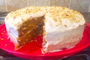 carrotcakeonplate
